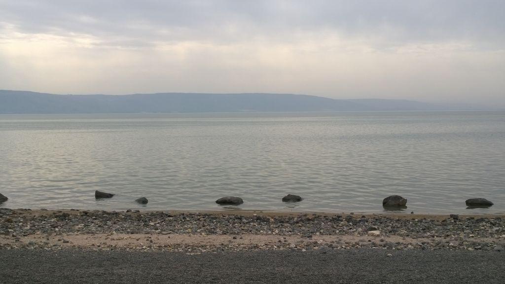 Lungt vatten i en stor sjö