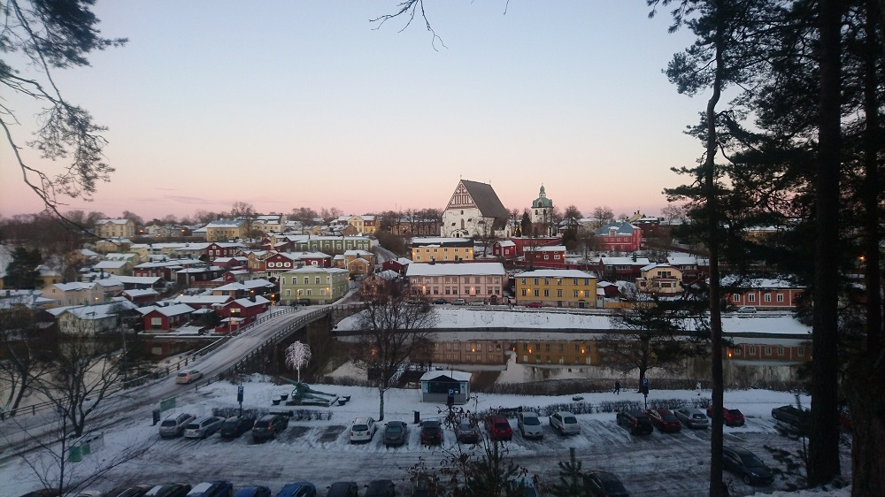 Gamla staden i Borgå med domkyrka sett från Näsebacken