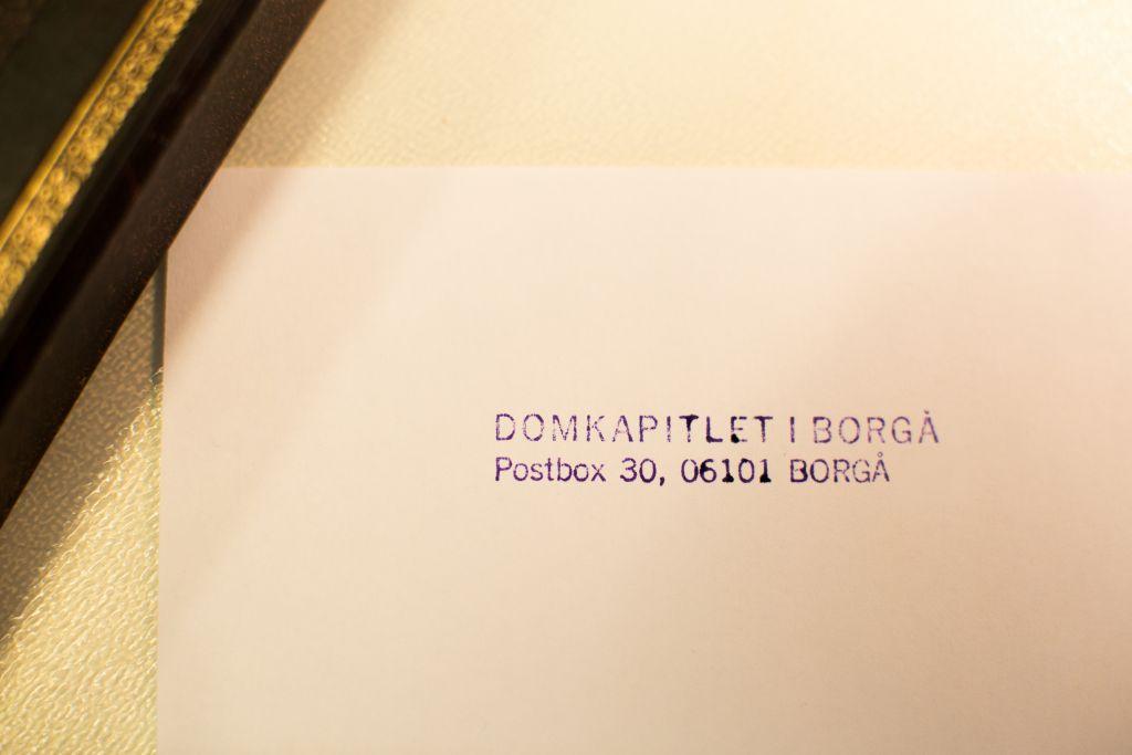 Adress tryckbokstäver.