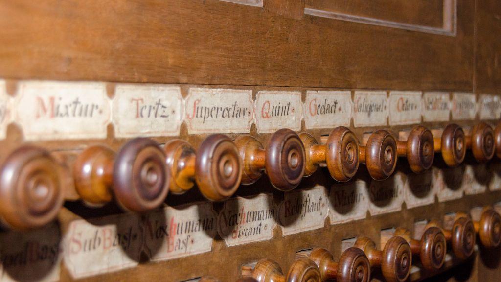 gammal orgel